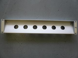 """Bild von proPANEL Z DKE   19"""" Panel Z-Form für 6x Triax Einbaubuchse (DKE), 2HE, farblos matt eloxiert"""