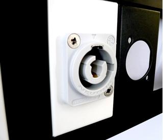 Bild von Montage proPanel   Montage Neutrik/Fischer Steckverbinder auf proPanel